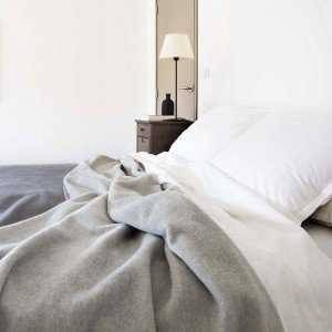 Merino wool of Arles Antique® : Camargue Blanket Anthracite / Gris Moyen